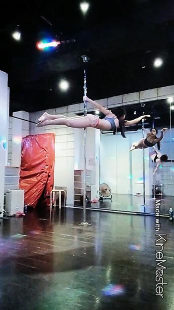 Poledance2